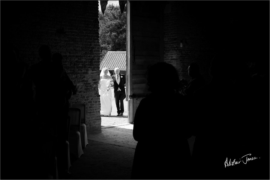 Wedding_photographer_basingstoke_basing_house.02