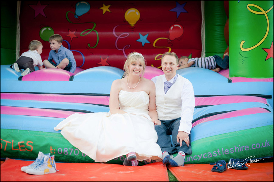 Wedding_photographer_basingstoke_basing_house.04
