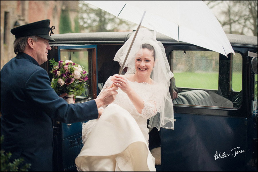 Wedding_photographer_basingstoke_Hampshire_bishops_palace.04