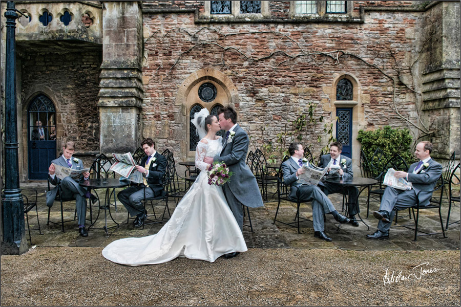 Wedding_photographer_basingstoke_Hampshire_bishops_palace.07