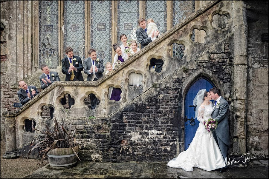Wedding_photographer_basingstoke_Hampshire_bishops_palace.08
