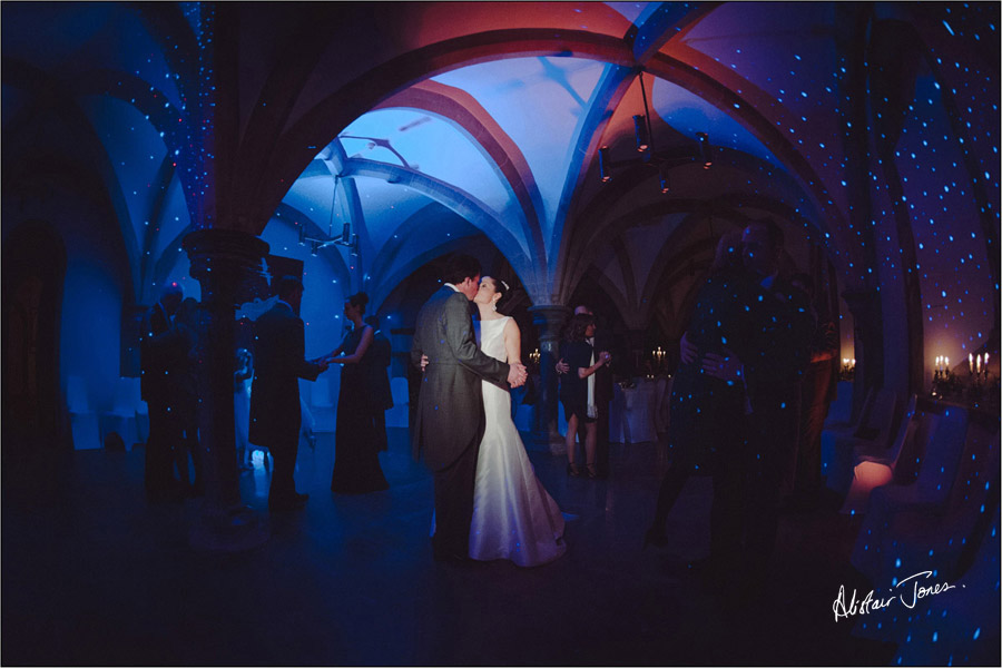 Wedding_photographer_basingstoke_Hampshire_bishops_palace.11