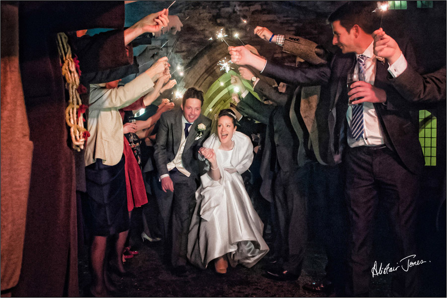 Wedding_photographer_basingstoke_Hampshire_bishops_palace.15
