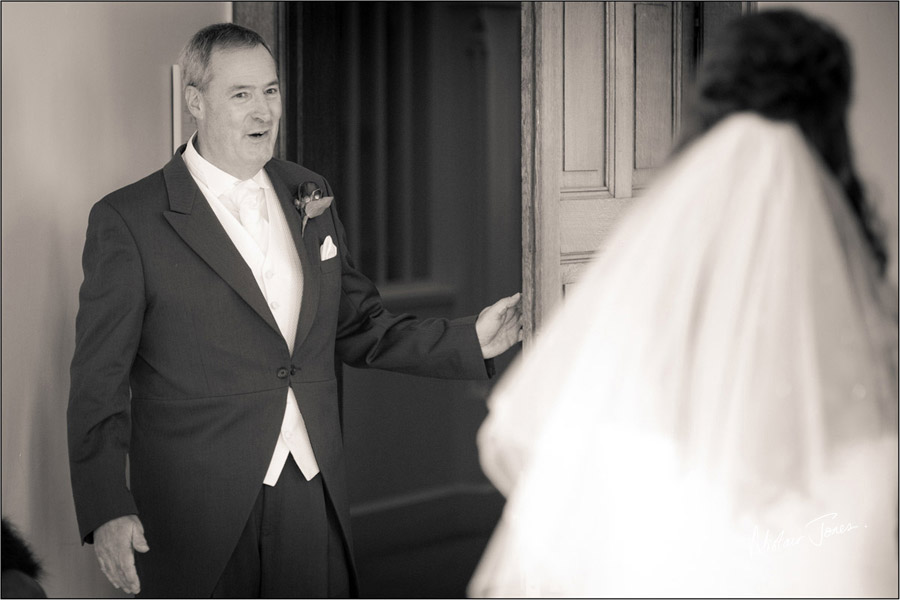 Wedding_photographer_basingstoke_Hampshire_Elvetham_hotel.02