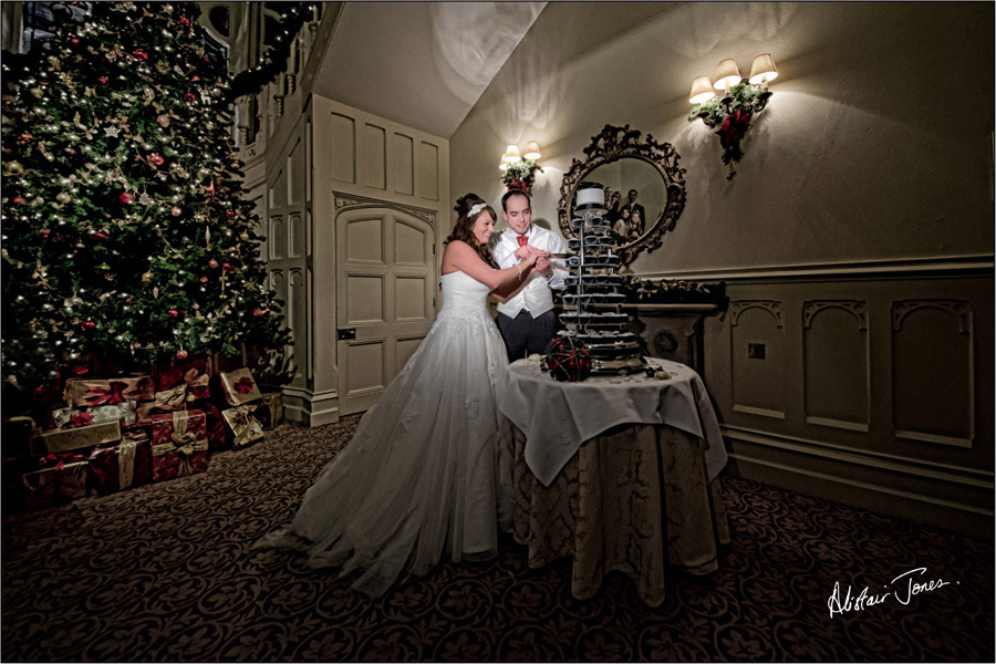 Wedding_photographer_basingstoke_Hampshire_Elvetham_hotel.08