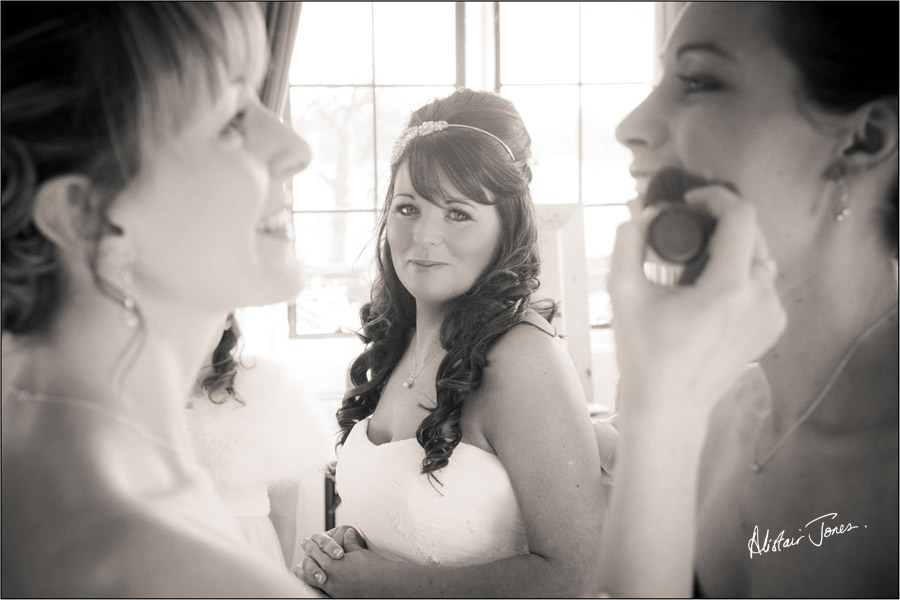 Wedding_photographer_basingstoke_Hampshire_Elvetham_hotel.09