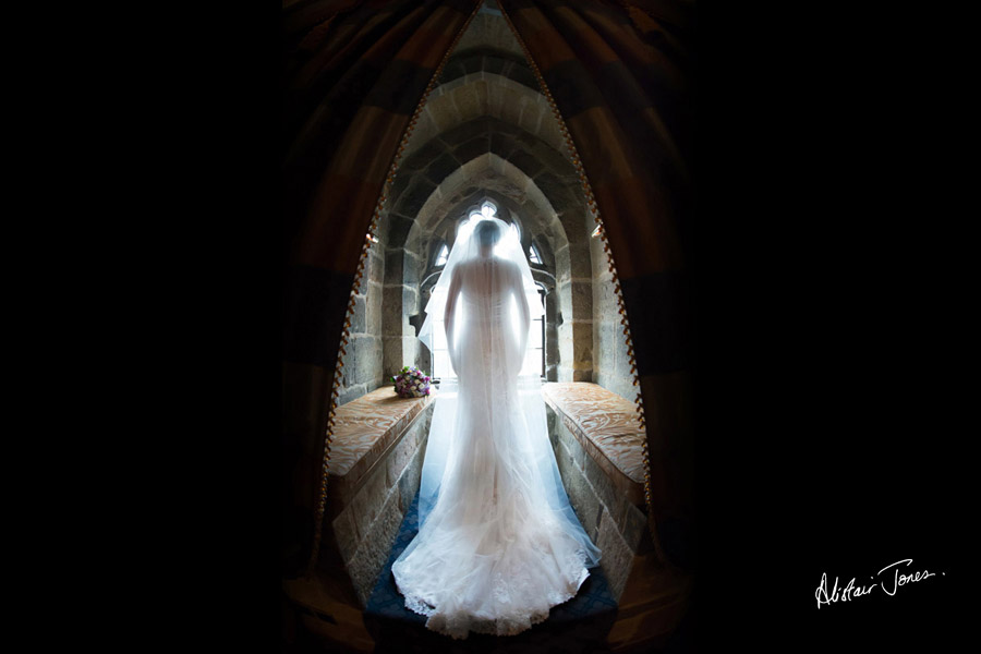 Wedding_photographer_basingstoke_Hampshire_Langley_castle.01
