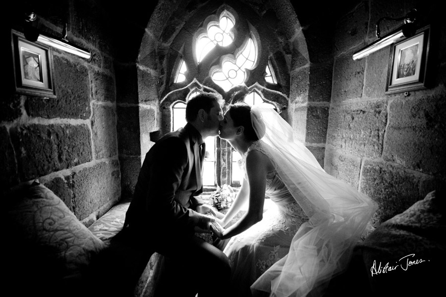 Wedding_photographer_basingstoke_Hampshire_Langley_castle.02