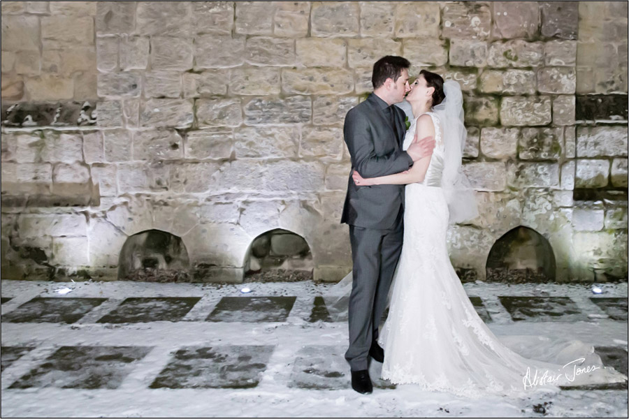 Wedding_photographer_basingstoke_Hampshire_Langley_castle.08