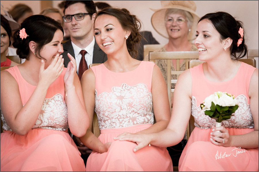 Wedding_photographer_basingstoke_Hampshire_riverval_barn.07