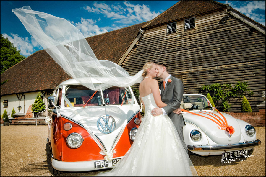 Wedding_photographer_basingstoke_Hampshire_riverval_barn.09