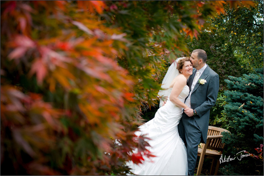 Wedding_photographer_basingstoke_Hampshire_riverval_barn.14