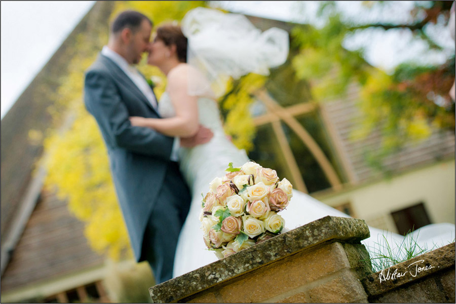 Wedding_photographer_basingstoke_Hampshire_riverval_barn.17