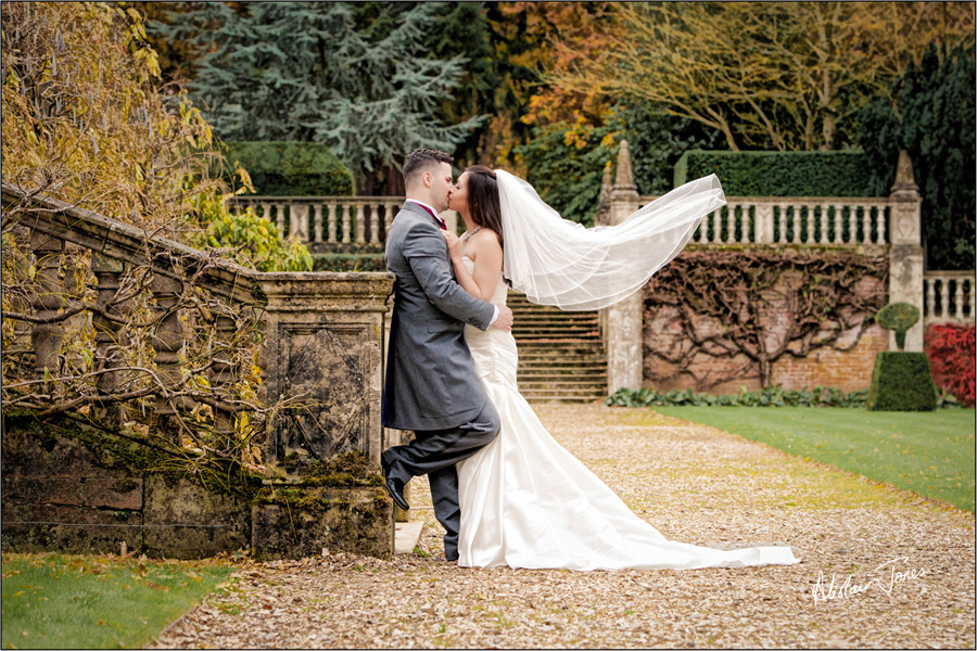 Wedding_photographer_basingstoke_Hampshire_tylney_hall.01
