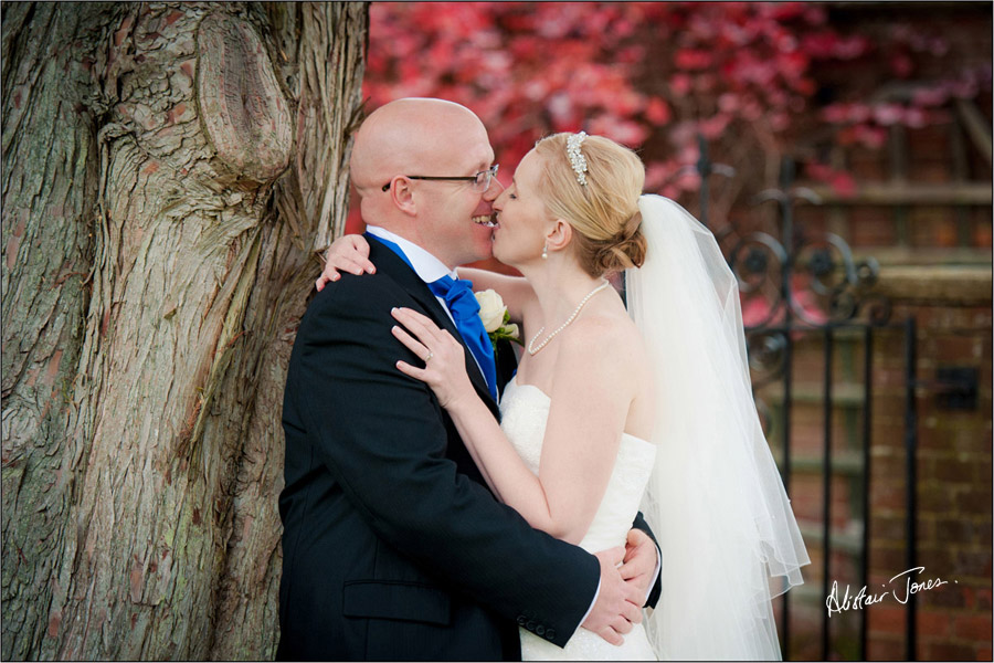 Wedding_photographer_basingstoke_Hampshire_warbrook_house.05
